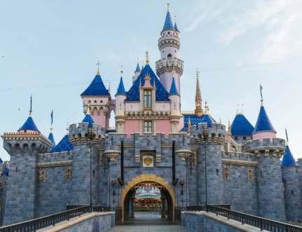 sleeping-beauty-castle-disneyland-finished-780x600